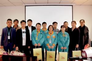 """阳光王子组织参加世纪阳光集团公司的""""感恩同事""""演讲比赛获佳绩"""